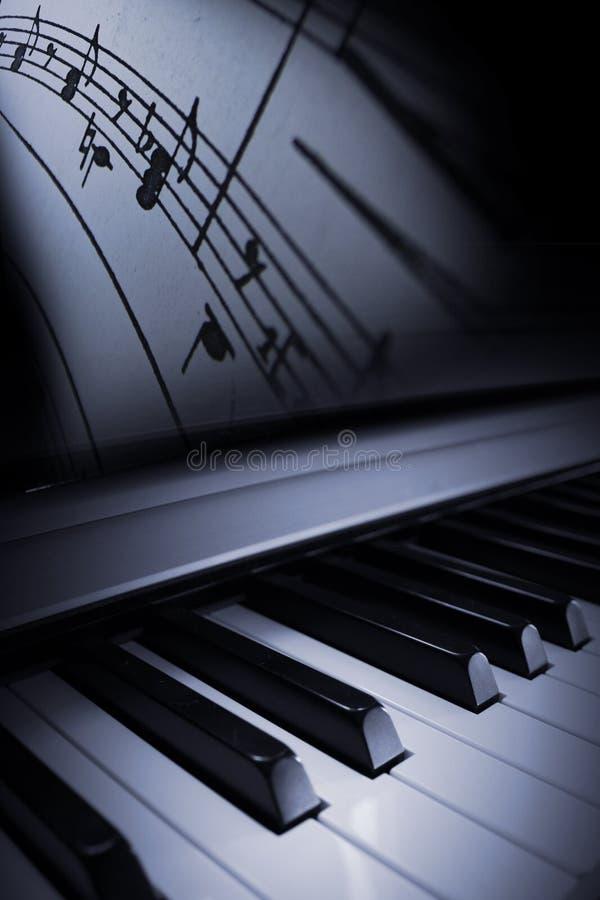 Elegancia del piano ilustración del vector