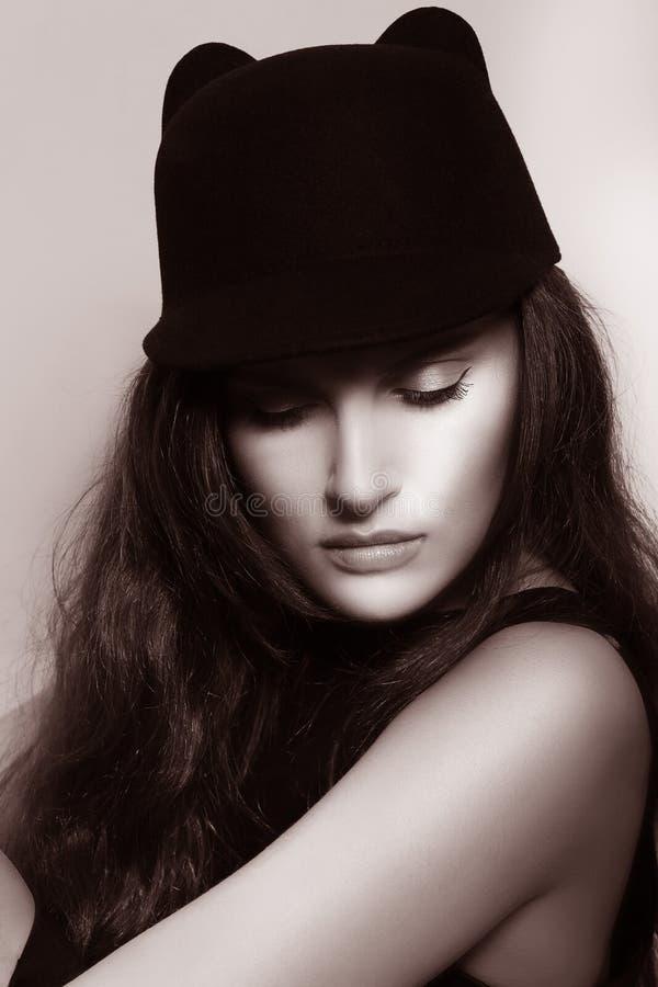 elegancja Wyszukana Autentyczna dama W Retro kapeluszu fotografia royalty free
