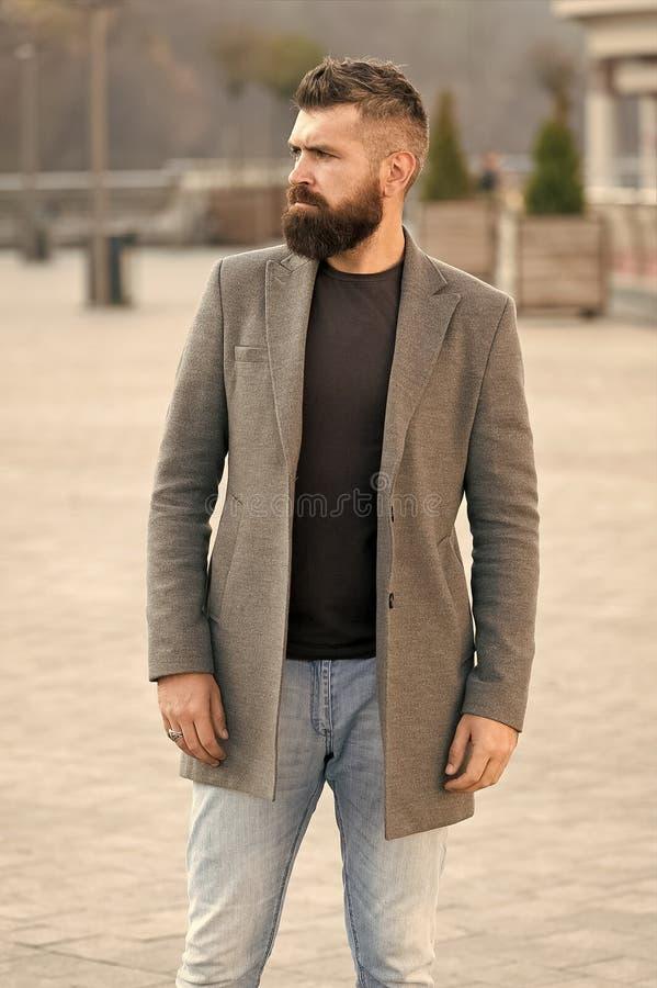 Elegancka broda, w?sy zima i spadek i przyprawiamy Brody moda i fryzjera m?skiego poj?cie M??czyzny brodaty modni? elegancki fotografia stock