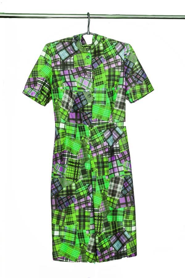 Elegancka Midi suknia z abstrakcjonistycznym geometrycznym barwionym wzorem, isol obraz royalty free