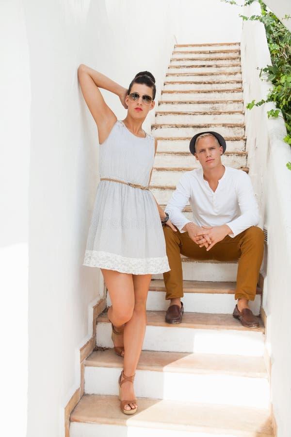 Elegancka modna potomstwo para zdjęcia royalty free