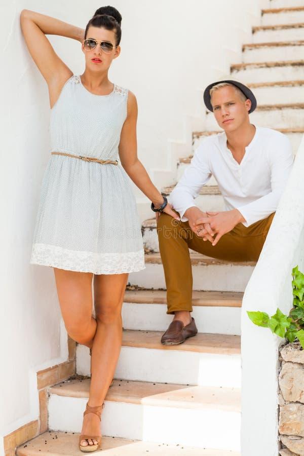 Elegancka modna potomstwo para fotografia royalty free
