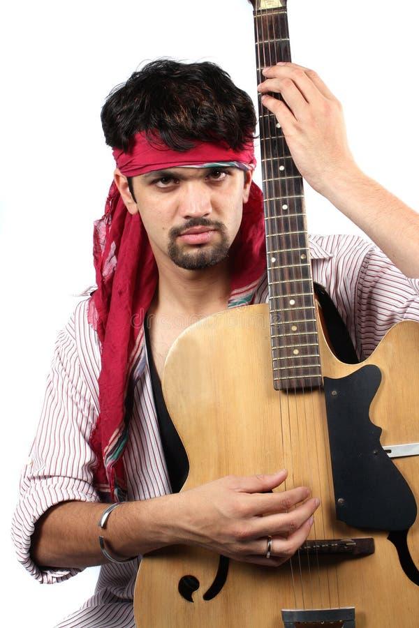 elegancki gitarzysty hindus zdjęcie royalty free