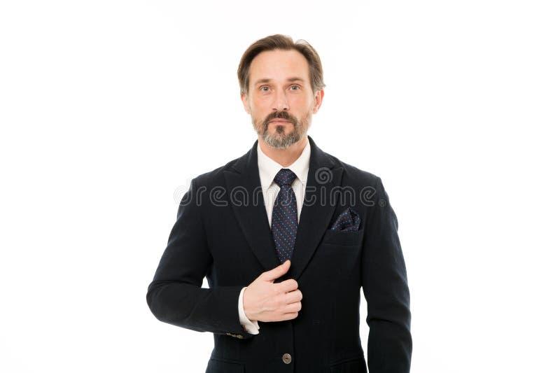 Elegancki i ufny Modna starzejąca się biznesowa osoba Dojrzały biznesmen w formalnej odzieży Starszy mężczyzna z popielatą brodą zdjęcia royalty free