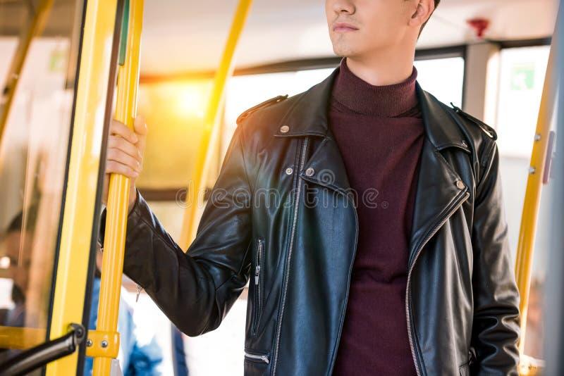 elegancki mężczyzna w autobusie fotografia royalty free