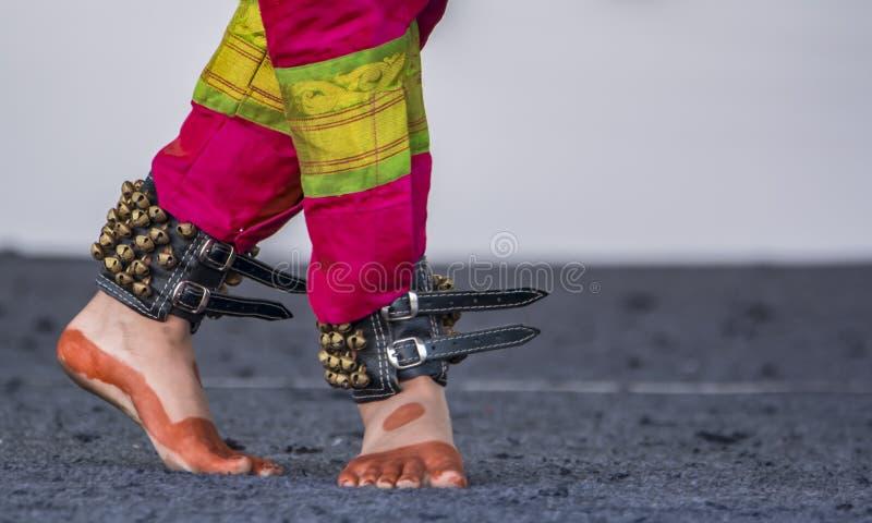 Elegancki tana krok w Bharatanatyam, Carnatic muzyce - fotografia royalty free