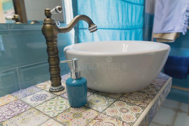 Elegant binnenland van de badkamers royalty-vrije stock fotografie