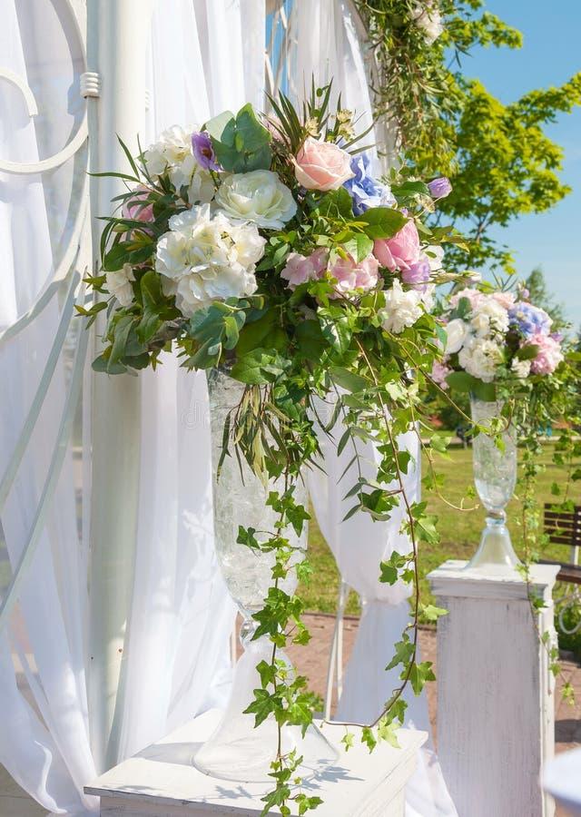 Elegant bukett av blommor arkivfoto