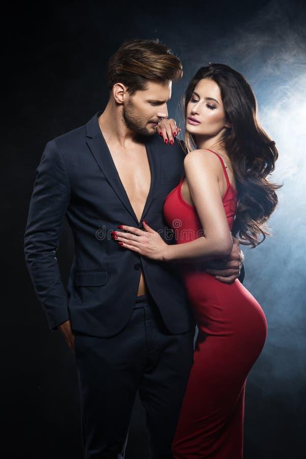 Free Elegant Couple. Royalty Free Stock Images - 102340019