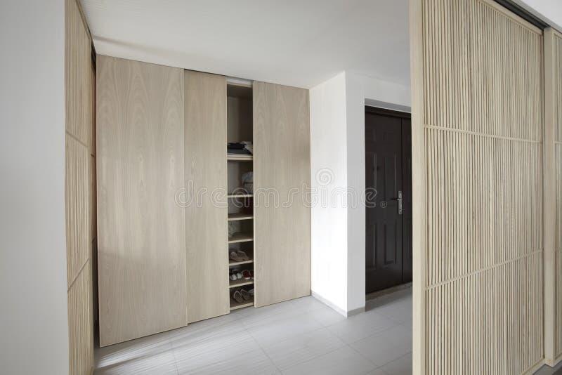 Elegant en comfortabel huisbinnenland stock foto's