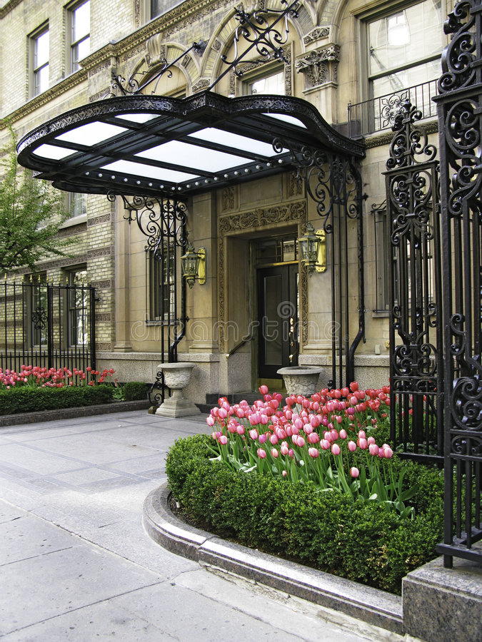 Free Elegant Entrance Royalty Free Stock Images - 5437149