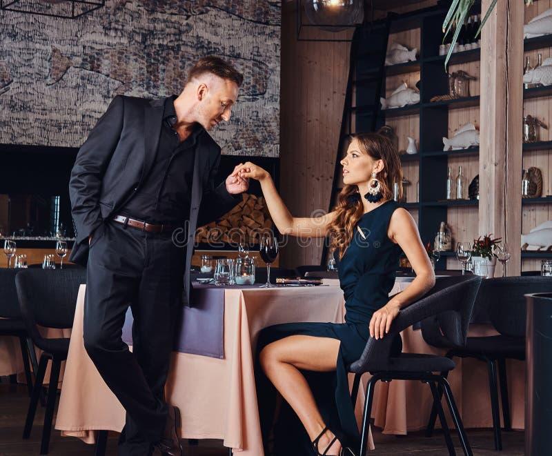 dating restaurant program