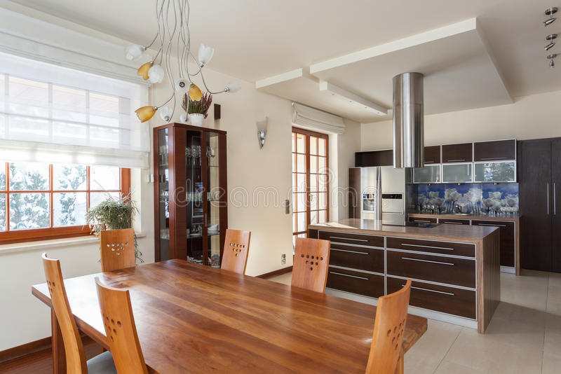 Elegant huis - keuken stock fotografie