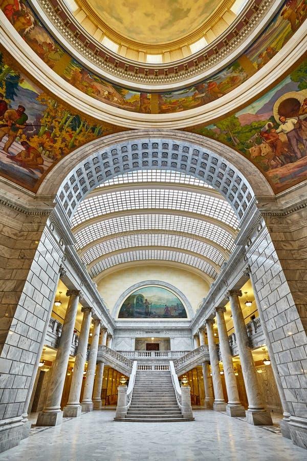 Elegant inre av byggnaden för Utah statKapitolium royaltyfria foton