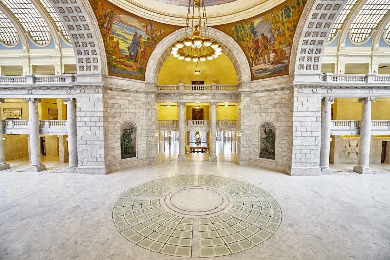 Elegant inre av byggnaden för Utah statKapitolium arkivfoton