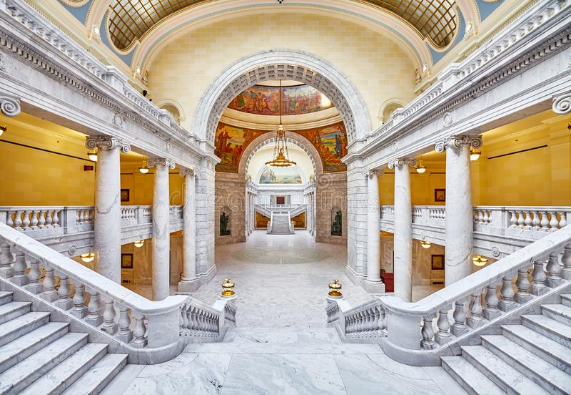 Elegant inre av byggnaden för Utah statKapitolium arkivbild