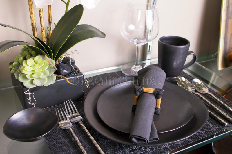 Download Elegant Modern Table Place Setting Stock Photo - Image: 21381136