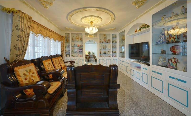 Elegant Oriental Classic Vintage Chinese Living Room Interior Design