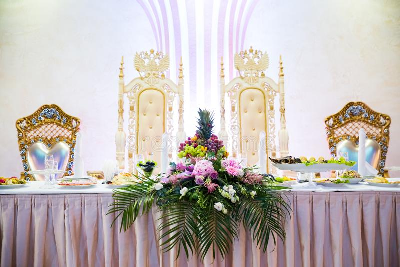 The elegant table with flowers flor wedding royalty free stock images