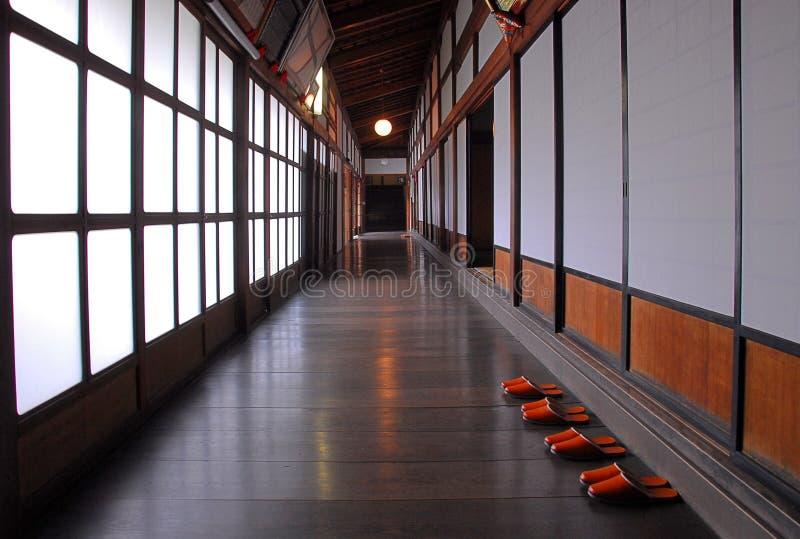 Elegant träkorridor arkivfoto