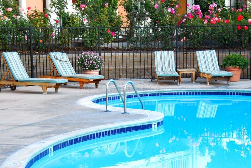 Elegant zwembad royalty-vrije stock foto