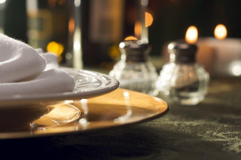 Elegante Abendessen-Einstellung stockfotografie
