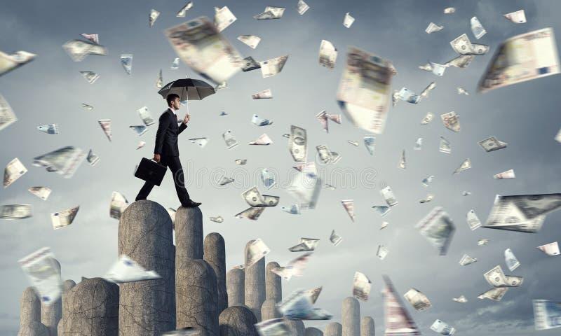 Elegante bankier met paraplu Gemengde media royalty-vrije stock afbeeldingen