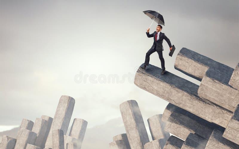 Elegante bankier met paraplu Gemengde media stock foto