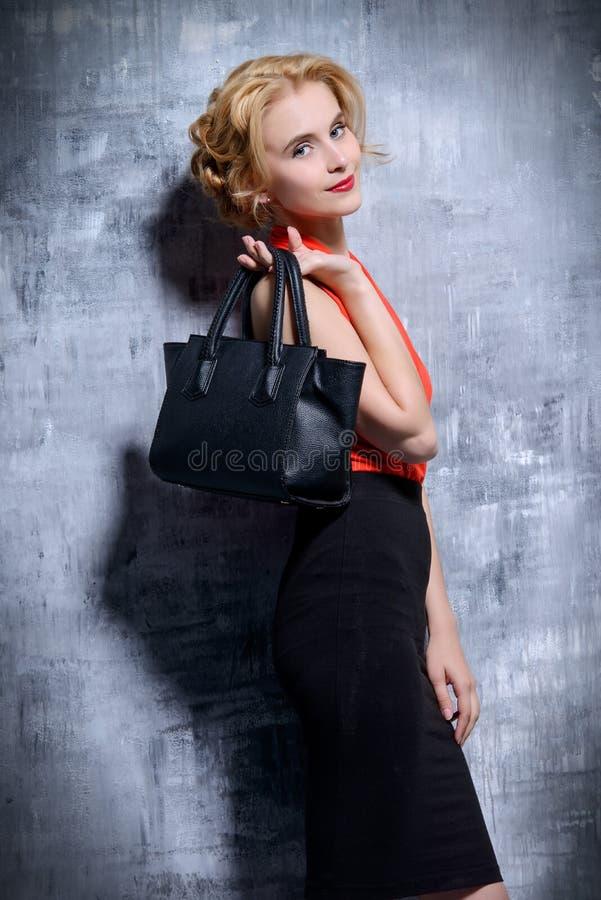 Elegante bedrijfsdame royalty-vrije stock foto
