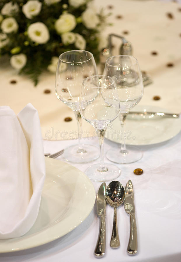 Elegante dinerlijst stock foto's