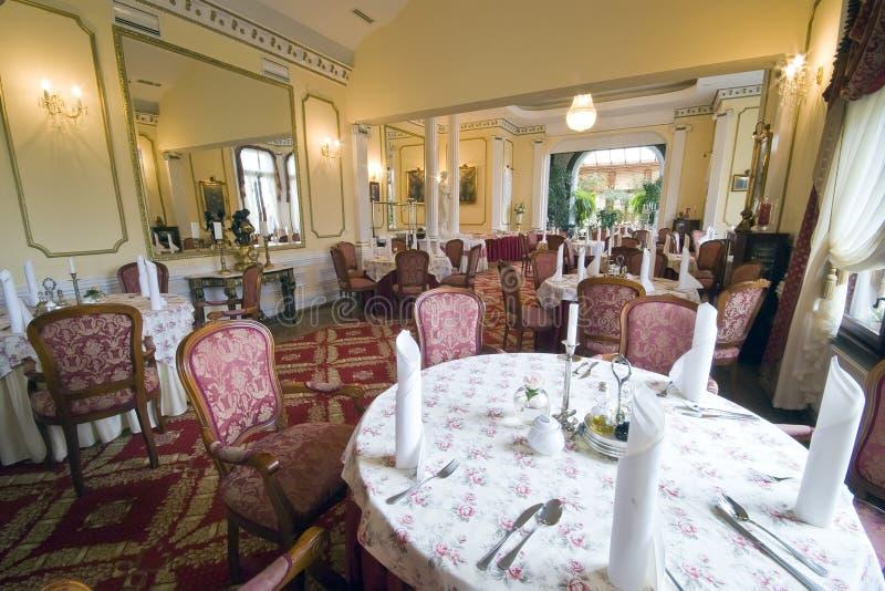Elegante eetkamer royalty-vrije stock afbeeldingen