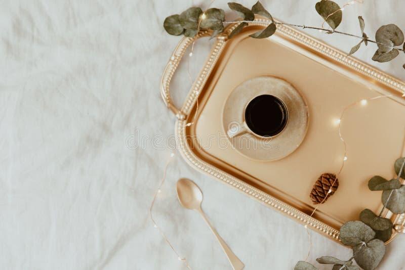 Elegante Luxeochtend Vlak leg samenstelling royalty-vrije stock fotografie