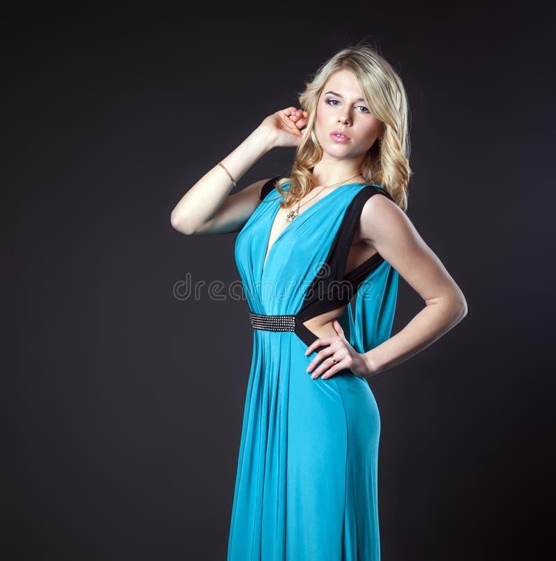 Elegante modieuze vrouw royalty-vrije stock foto's