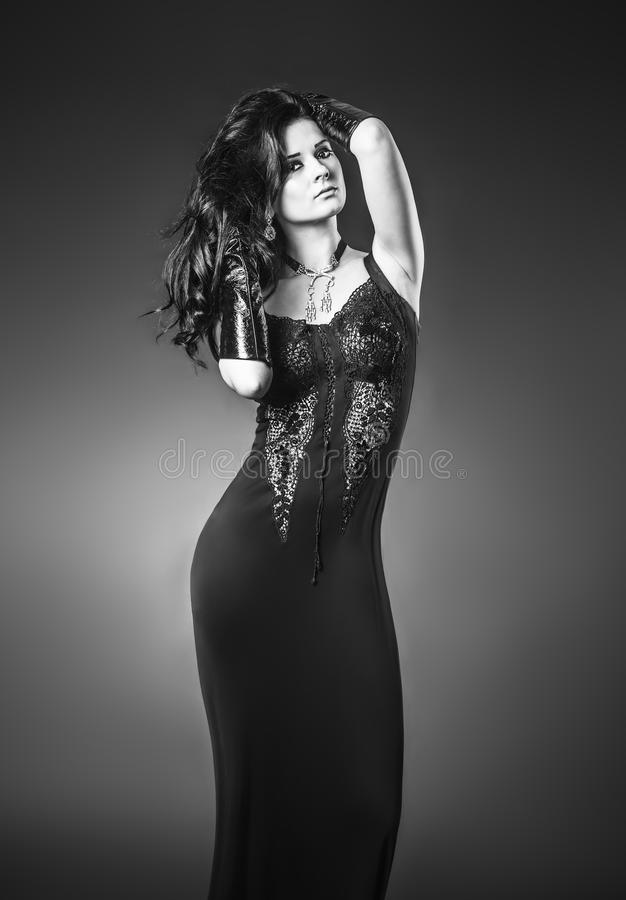 Elegante modieuze vrouw royalty-vrije stock foto