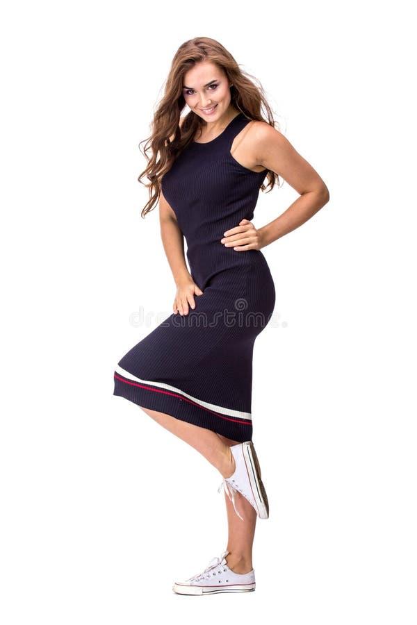 Elegante modieuze vrouw in blauwe kleding stock foto