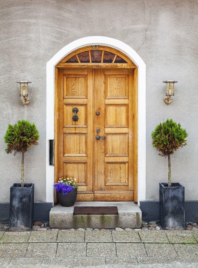 Elegante oude deur royalty-vrije stock afbeeldingen