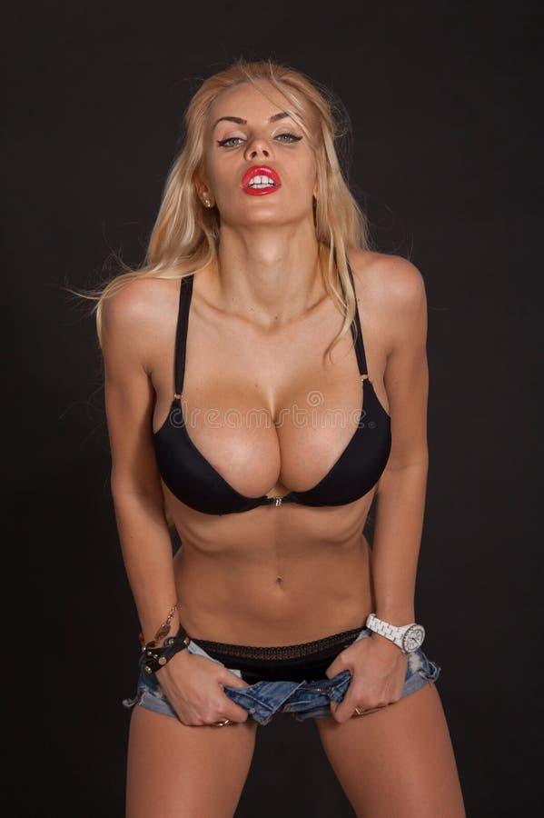 große Brüste sexy Tanz