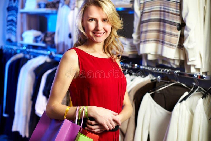 Download Elegante vrouw stock foto. Afbeelding bestaande uit verkoop - 29514788