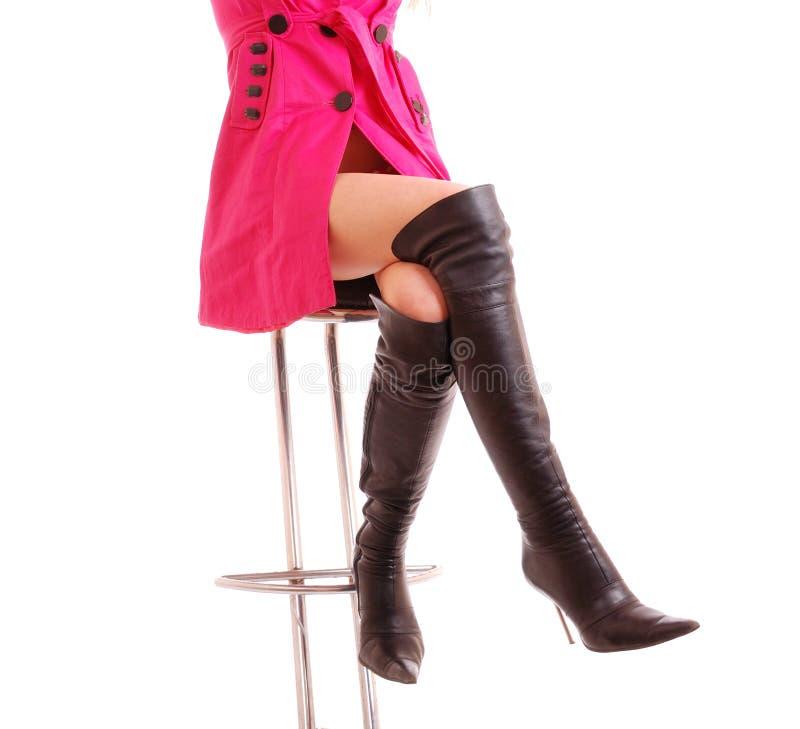 Elegante vrouwelijke benen royalty-vrije stock afbeeldingen