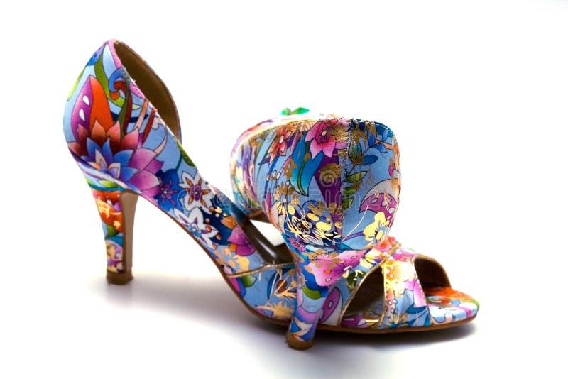 Elegante vrouwelijke schoenen royalty-vrije stock afbeeldingen