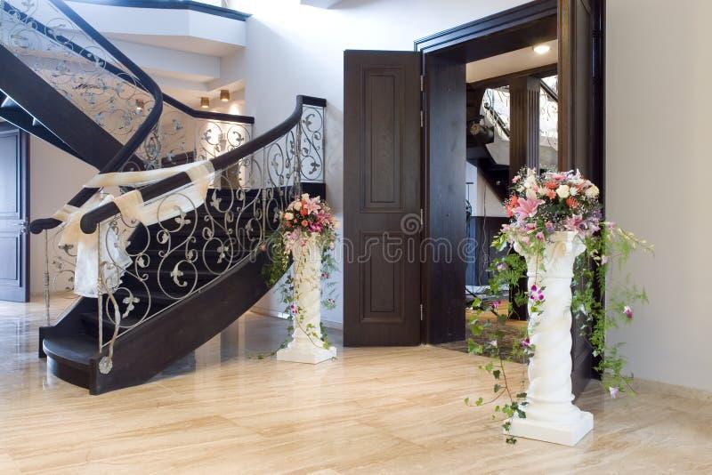 Eleganter Innenraum eines Hauses stockfotos