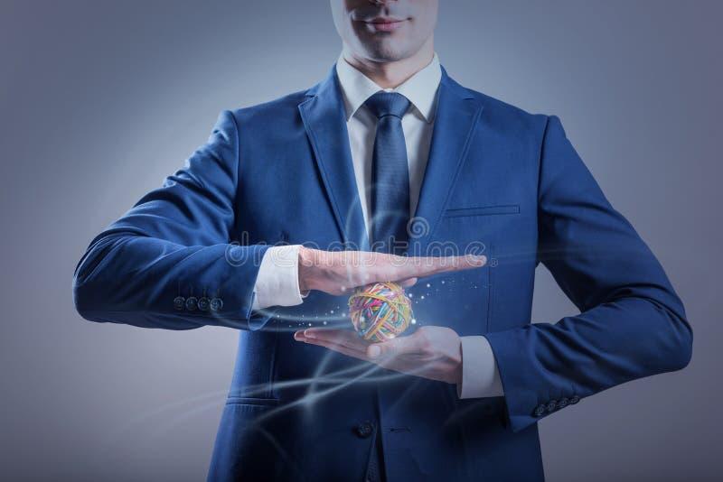 Eleganter Mann steht mit Gummibereich lizenzfreie abbildung
