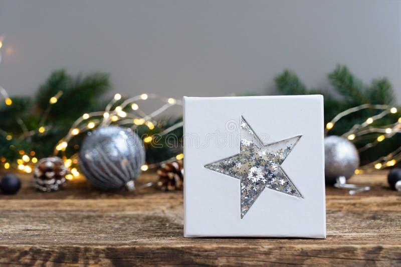Elegantes graues Weihnachten lizenzfreie stockfotografie