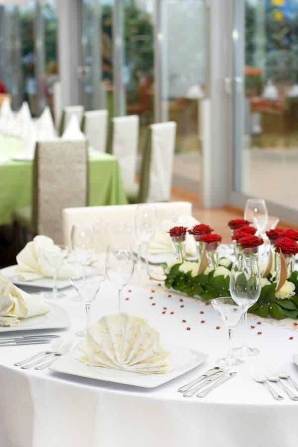 elegantt inställningstabellbröllop arkivfoto