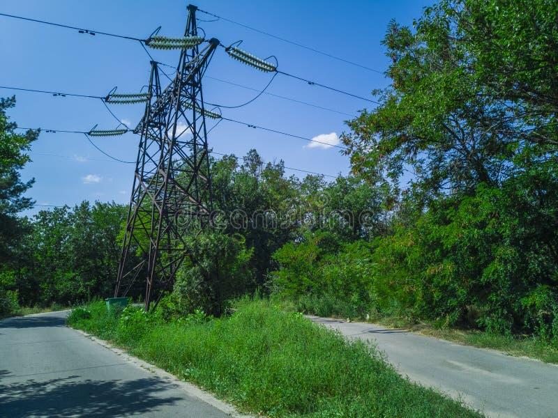 92-elektriciteit Pylonen stock afbeeldingen