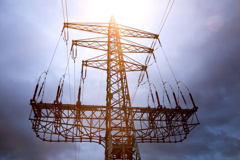 Elektriciteits het pylon kleur samenstellen stock fotografie