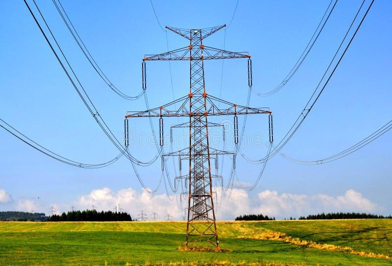 Elektriciteitspolen royalty-vrije stock foto
