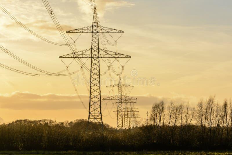 Elektriciteitstorens royalty-vrije stock fotografie
