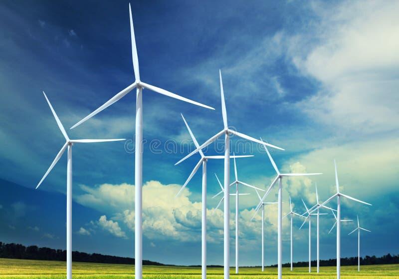 elektricitet som frambringar turbinwind royaltyfri fotografi
