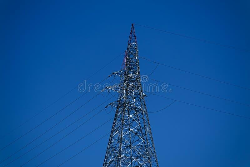 Elektricitetsfördelningstorn arkivbilder